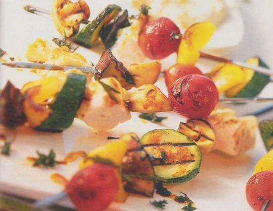 Brochettes de légumes et féta