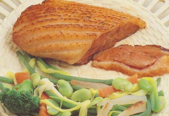 Magrets de canard aux petits légumes